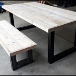 Steigerhout tafel met bijpassend steigerhout bankje